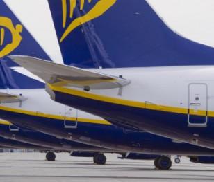 Ryanair розширює пропозицію авіасполучень між Польщею та Україною