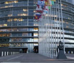 Rzecznik rządu: Rezolucja PE to polityczne uderzenie w Polskę