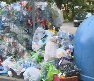 Opłaty za wywóz śmieci w Warszawie znowu w górę