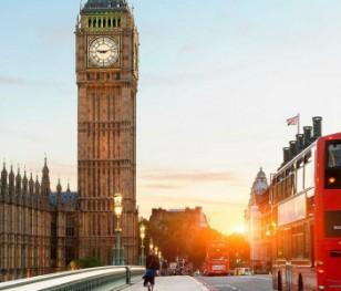 Британці планують повернутися до нормального життя після Великодня