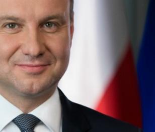 Президент Польщі здав кров і заохочує це зробити всіх, хто одужав від COVID-19