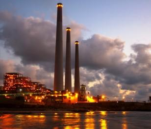 У той час, коли світ зменшує викиди СО2, японці рятують свої вугільні електростанції