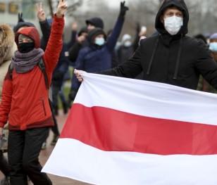 У 120-й день протестів у Білорусі затримали понад 300 осіб