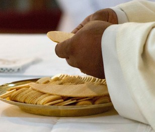 Рішення Ватикану про богослужіння у свята