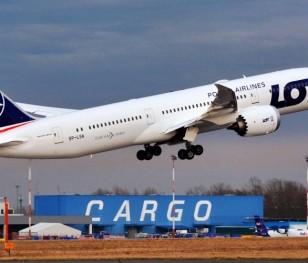 Найбільший літак авіаліній LOT летить до Великобританії