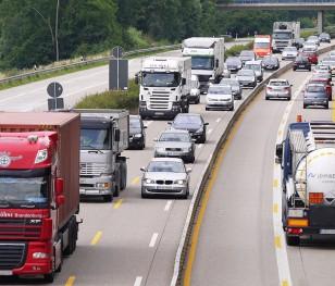 Президент і прем'єр Польщі втрутилися у справу водіїв, що стоять на кордоні з Францією