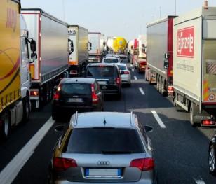 Тисячі польських водіїв застрягли на британсько-французькому кордоні