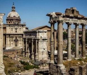Римську тріумфальну арку очистять бактерії