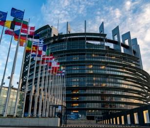 П'ять фракцій Європарламенту вимагають негайного обговорення подій в Росії