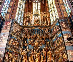 У Кракові завершилася реставрація вівтаря Віта Ствоша