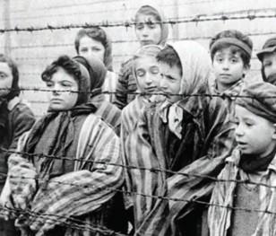 Президент Польщі: «Ми повинні бути свідками пам'яті та захисниками правди про Голокост»