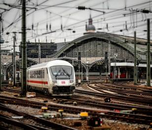 Попри пандемію, Національна залізнична програма в Польщі проходить успішно