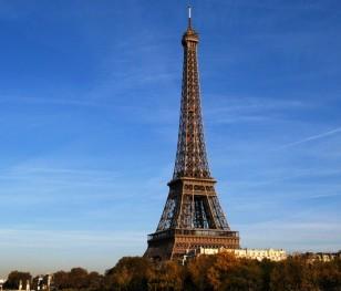 Ейфелева вежа змінить колір