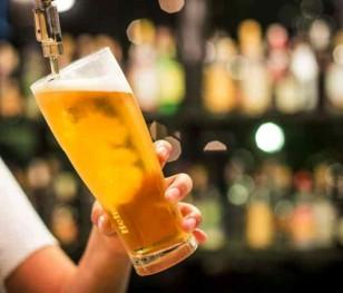 Через закриття британських пабів змарнується майже 50 млн л пива