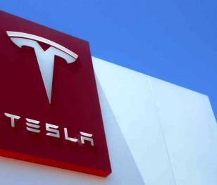 Tesla набиратиме працівників на німецький завод. На роботу розраховують і поляки