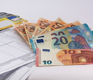 Скільки коштує година роботи в країнах ЄС