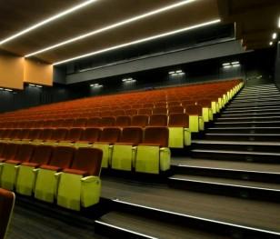 Майже всі квитки у варшавських кінотеатрах і театрах розкупили на вихідні