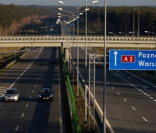 У Польщі затримали удвічі перевантажену вантажівку з брухтом