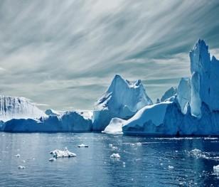 Od lodowca oderwała się góra lodowa wielkości Londynu
