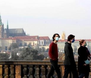Czesi będą testować na koronawirusa wszystkich pracowników zakładów pracy