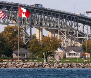Американсько-канадський кордон залишатиметься закритим ще місяць
