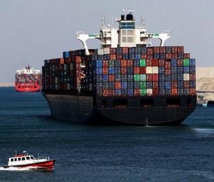 Єгипет може вимагати за блокаду Суецького каналу мільярд доларів