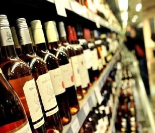 Майже половина поляків підтримує заборону продажу алкоголю на АЗС