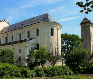 В Олиці відновлять не лише колегіальний костел