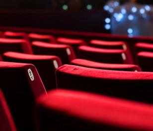 70 proc. artystów teatralnych pracuje online