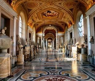 Sala sądowa w... Muzeach Watykańskich