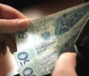 У Польщі зросла середня заробітна плата