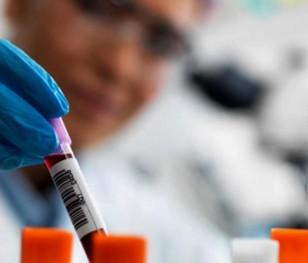 Приблизно 40 % поляків уже мають антитіла до коронавірусу