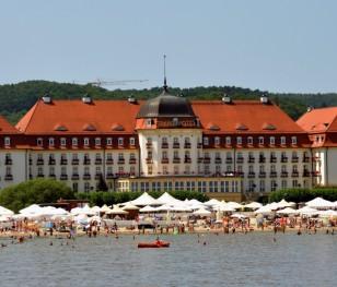 Польські курорти готуються до сезону і шукають працівників