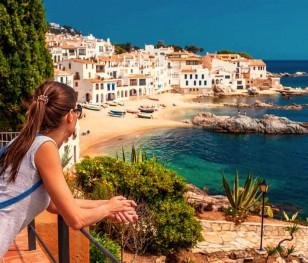 Іспанія відкривається для щеплених туристів
