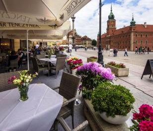 Відучора у Польщі почало діяти розпорядження, що пом'якшує низку епідемічних обмежень