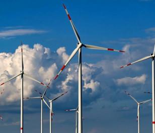 Польща піднялася в рейтингу привабливості для інвестицій у відновлювану енергетику