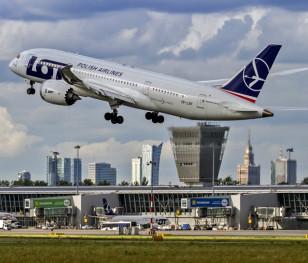 Польські авіалінії LOT зафіксували збитки на понад 1 млрд злотих