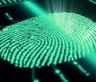 Сенат Польщі відтермінував впровадження здачі відбитків пальців на посвідчення особи