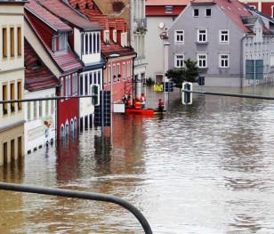 У Німеччині зменшуються шанси знайти живими жертв повені