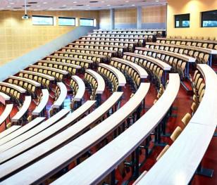 У Польщі розробляють положення про гібридне навчання студентів