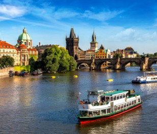 Чехія у вересні розпочне щеплення третьою дозою вакцини