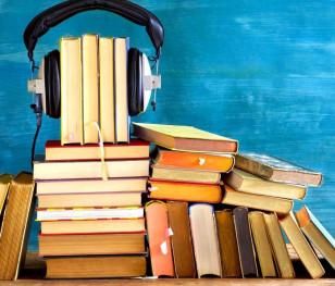Polacy uwielbiają czytać książki!