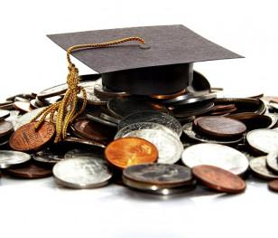 Zajrzeli do portfeli polskich studentów. Ile wydają i na co?