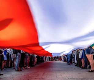 Polska. Jej drugie imię to Historia