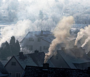 Стало відомо, коли у Варшаві заборонять спалювати вугілля