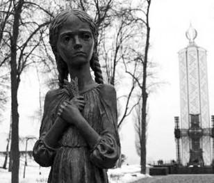 Директор Польського інституту в Москві: «Нападники на «Меморіал» хочуть, аби брехня про Голодомор тривала»