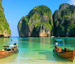 Більшість тайців проти відкриття країни для туристів